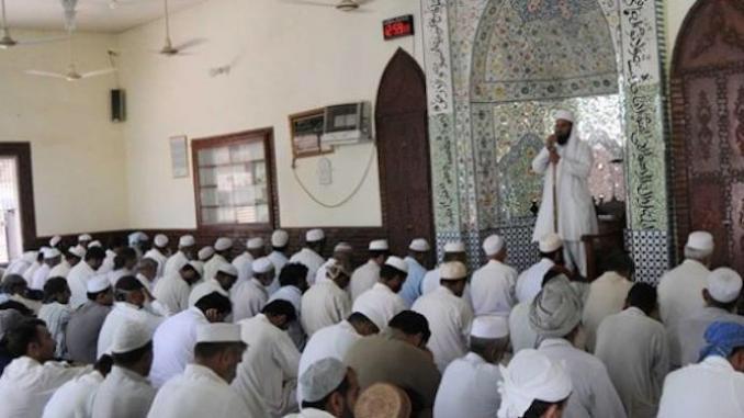 Raisons et obstacles à la mise en œuvre :  L'approche française de la politique d'envoi des imams